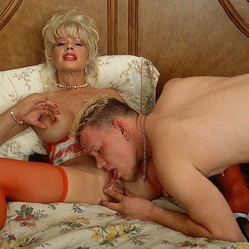 Air_Force_Amy_Boy_Girl_Pearl_Necklace_21